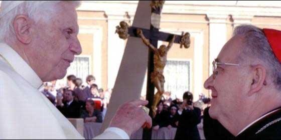 Mons. Julián López