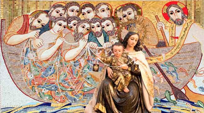 http://www.revistaecclesia.com/wp-content/uploads/2012/07/Virgen-del-Carmen2.jpg