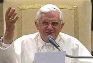 Benedicto-XXVI-Audiencia-miércoles-en-la-Pablo-VI-