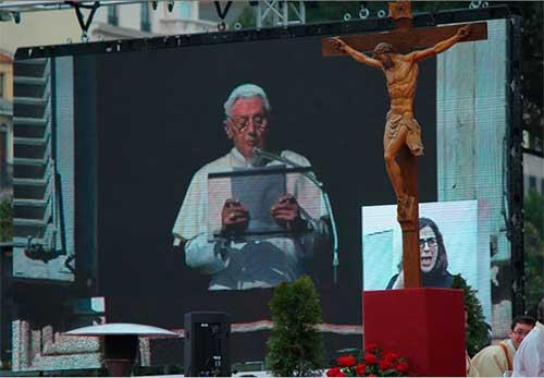 Benedicto-XVI-fiesta-familias-madrid