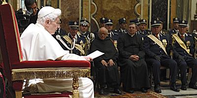 Benedicto XVI bomberos