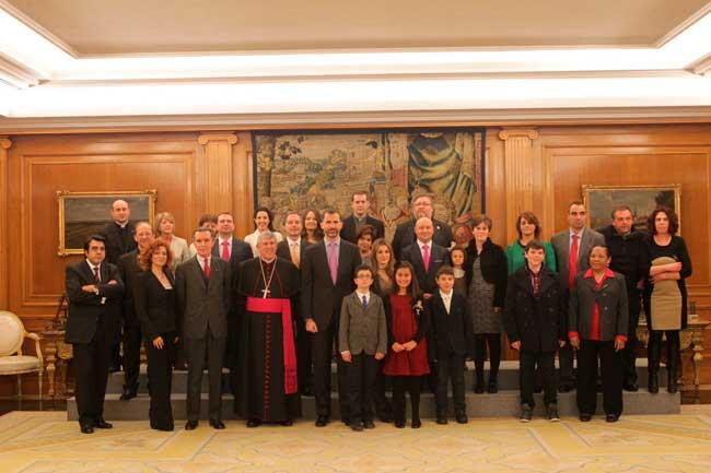Príncipes de Asturias con los premiados de la Infancia Misionera