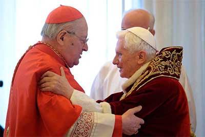 Benedicto-XVI-angelo-sodano