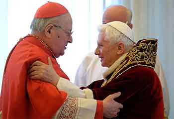 benedicto-XVI-cardenal-sodano