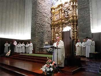 julian-obispo-leon