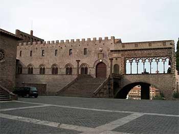 viterbo_palazzo_dei_papi