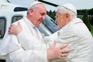 Papa-Francisco-Papa-Benedicto-XVI-encuentro