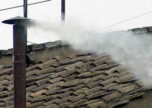 fumata 300x213 Todo ante el Cónclave Marzo 2013