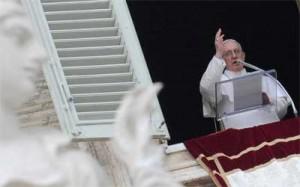 papa-francisco-balcon