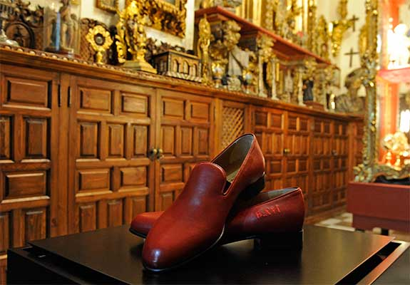 zapatos-benedicto-XVI