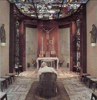 JPII en su capilla