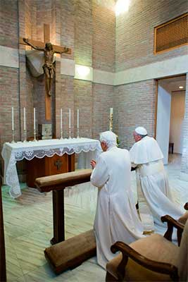 benedicto-XVI-papa-francisco-oran