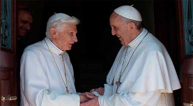 papa-en-el-vaticano