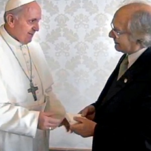 Papa a Pérez Esquivel y Félix Díaz