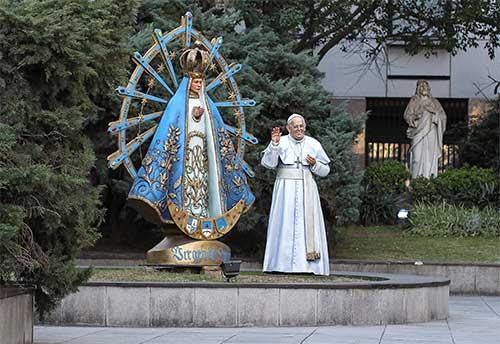 papa-francisco-esculturas