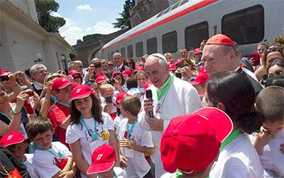 papa-francisco-tren-niños