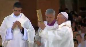 jmj aparecida 2 300x164 Homilía del Papa Francisco en el Santuario de Aparecida (Brasil)
