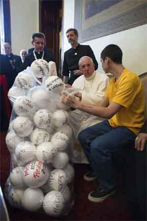 papa-francisco-balones
