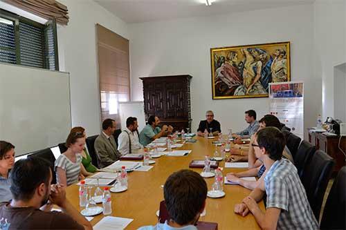 Mons.-Martínez-imparte-un-seminario-sobre-San-Efrén