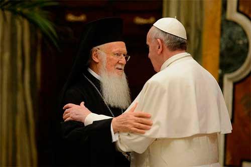 El Papa Francisco y el Patriarca Ecuménico Bartolomé reafirman su voluntad de caminar con firmeza hacia la comunión dentro de la legítima diversidad
