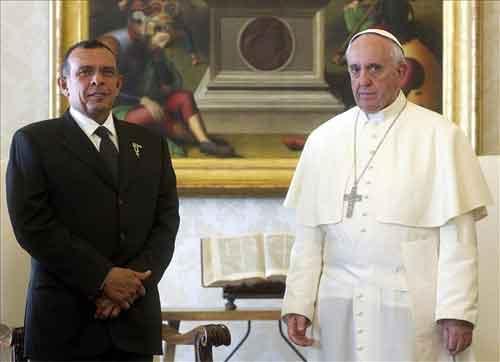 papa-francisco-presidente-de-honduras