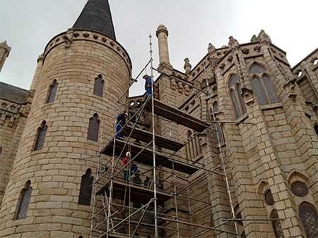 palacio-gaudi-restauracion