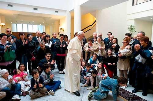 papa-francisco-niño-jesus-roma