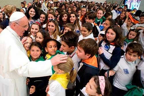 Resultado de imagen para papa francisco y los niños