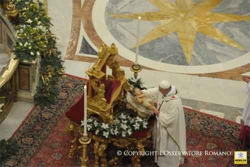 papa-francisco-niño-jesus