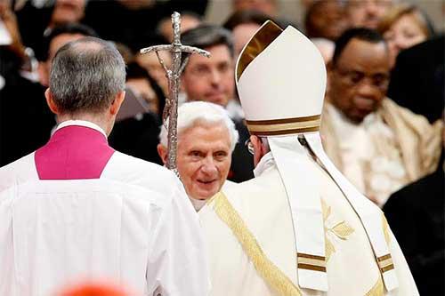 benedicto-XVI-papa-francisco-cardenales