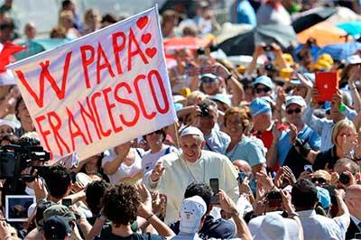 papa-francisco-pancarta