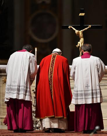 papa francisco via crucis