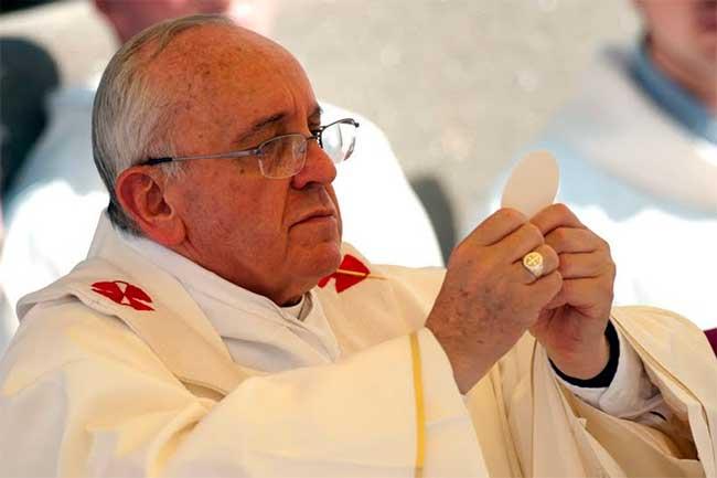 misa-papa-francisco-eucaristia