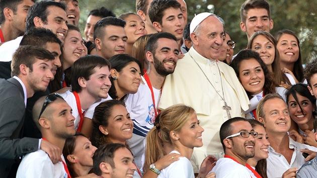 Resultado de imagen para Papa con jovenes
