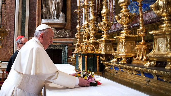 Francisco visita la Salus Populi Romani