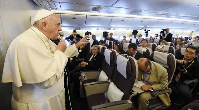 papa-francisco-avion