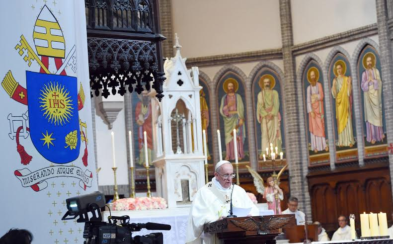 papa francisco misa por la paz