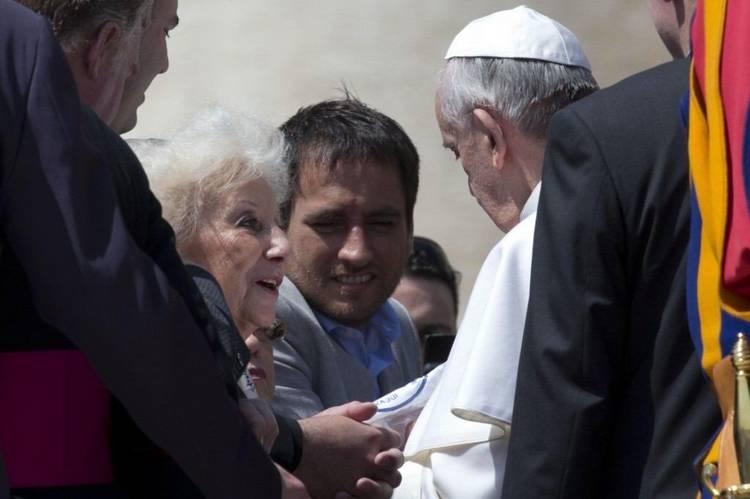 papa francisco abuelas plaza de mayo