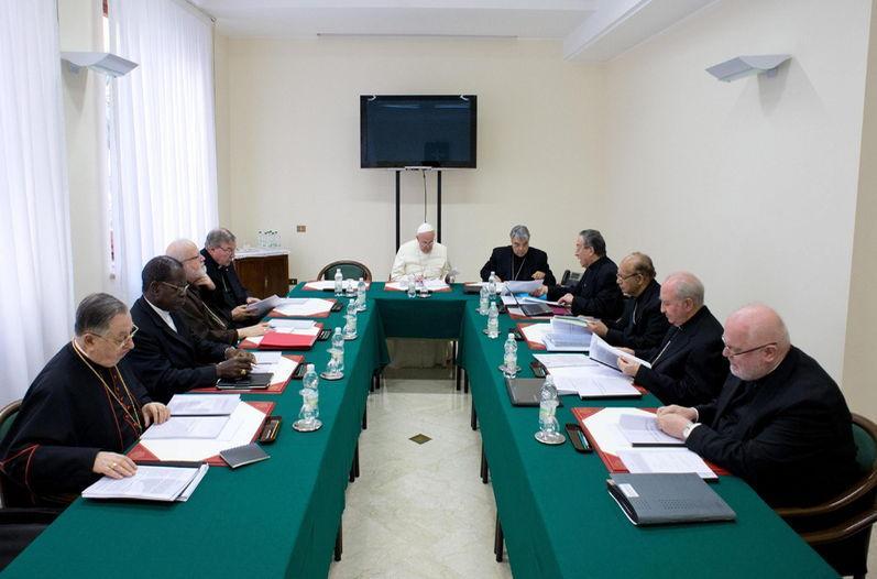 Resultado de imagen para papa francisco y cardenales asesores C9