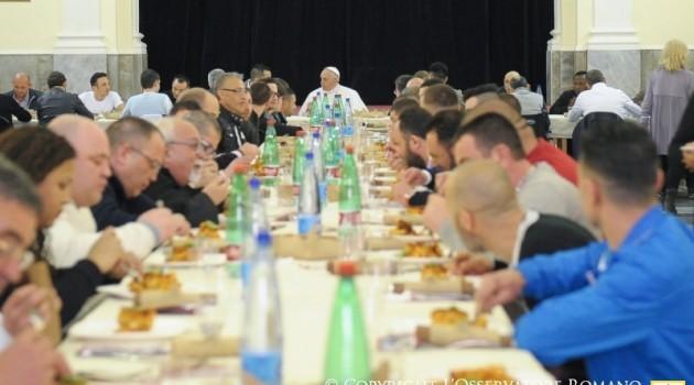 Papa presos comida Nápoles