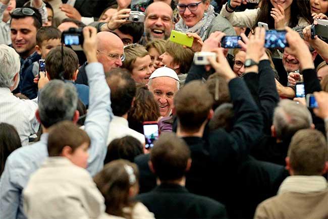 papa-francisco-neocatecumenales