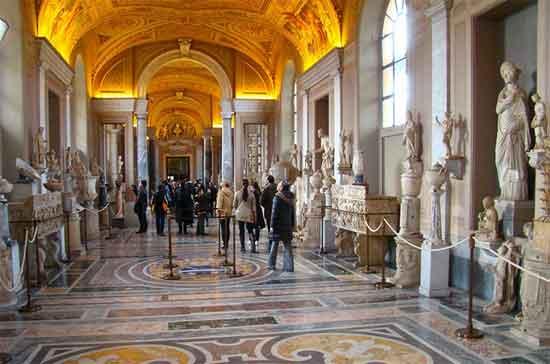 vaticano-visita-personas-sin-techo