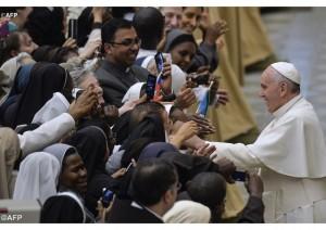 Papa religiosas