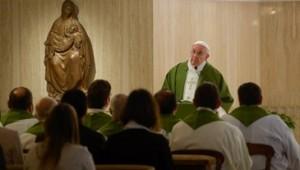 papa-francisco-santa marta