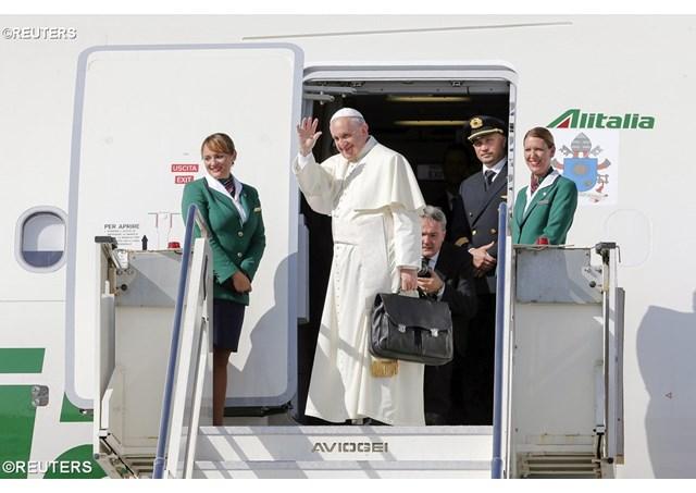 papa francisco avion