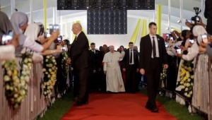 Papa-Francisco-Kenia-religiosos