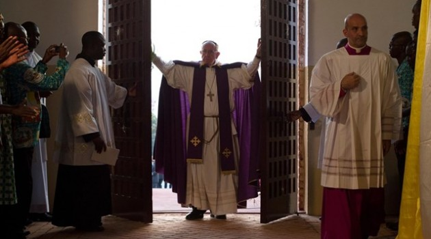 Puerta-Santa-Bangui-Papa-Francisco