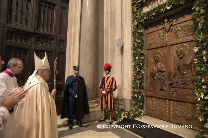 Papa puerta santa Santa María