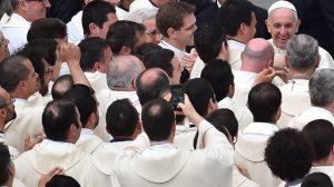 Papa-Francisco-sacerdortes-San Pedro