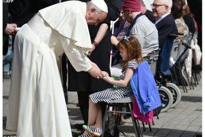 Papa-Francisco-enfermos-niños